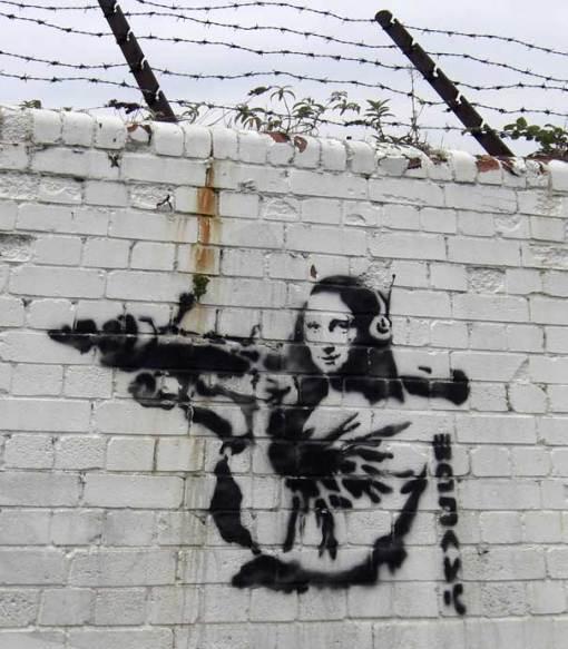 banksy-graffiti-street-art-mona-lisa-bazooka